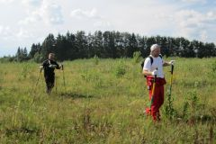 CIPS DCVG surveyors in Russian field