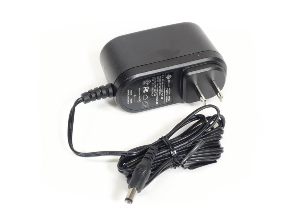 Charger 110/220v 50/60 Hz AC